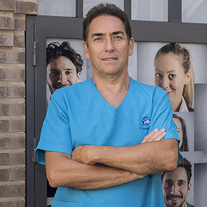 Dr. Eduardo Abad Segovia